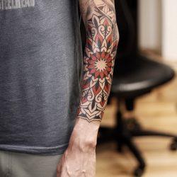 Ornament Blumentattoo Am Unterarm