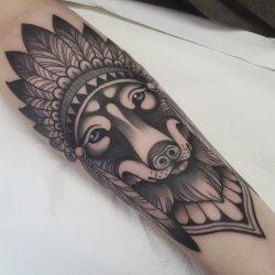 Indianer Wolf Tattoo Schwarz Weiss