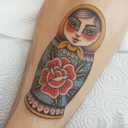 Matroschka Tattoo Bunt