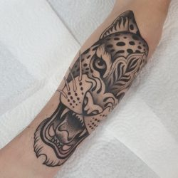 Leoparden Tattoo In Schwarz Weiss