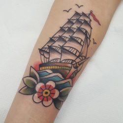 Klassisches Old School Schiffs Tattoo