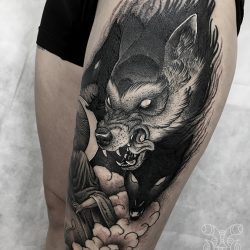 Kämpfender Wolf Tattoo Blackwork