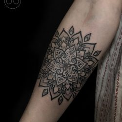 Filigranes Tattoo Mandala Unterarm