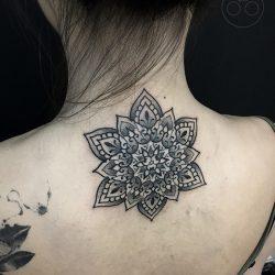 Mandala Tattoo Im Nacken