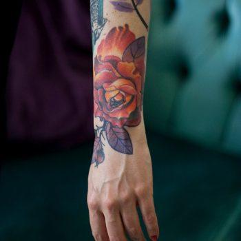 Orange Facetten Rosen Tattoo Berlin