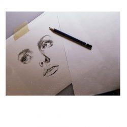 Bleistift Zeichnung Mit Vielen Details Eines Frauengesichts