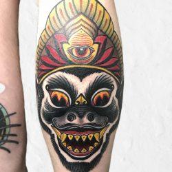Gruseliger Affe Tattoo
