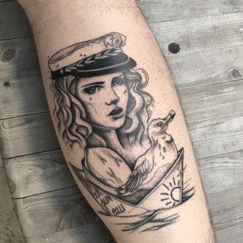 Seefahrerin Mit Möwe Und Schiff